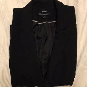 NWOT Apt 9 Black blazer